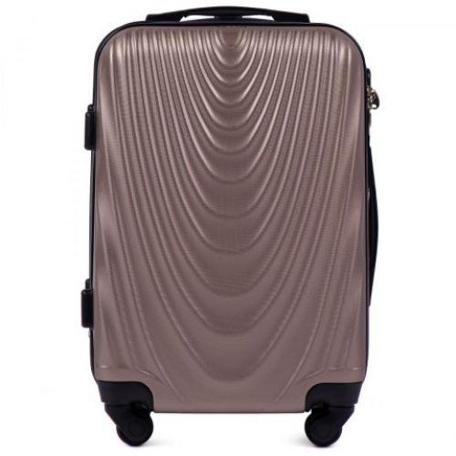 Пластиковый чемодан на колесах Wings 304 маленький шампань